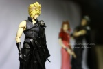 фотография Play Arts Cloud Strife & Fenrir