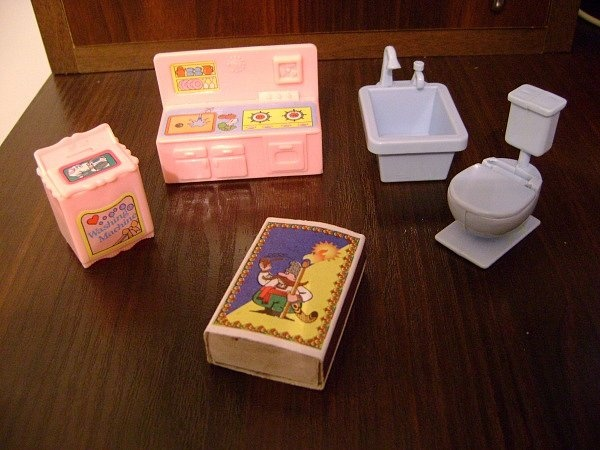 Как сделать мебель для маленьких кукол