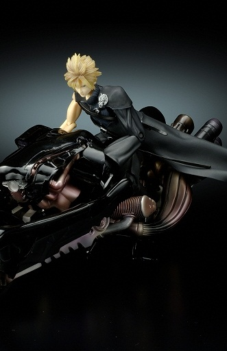 главная фотография Play Arts Cloud Strife and Fenrir Advent Pieces Ver.
